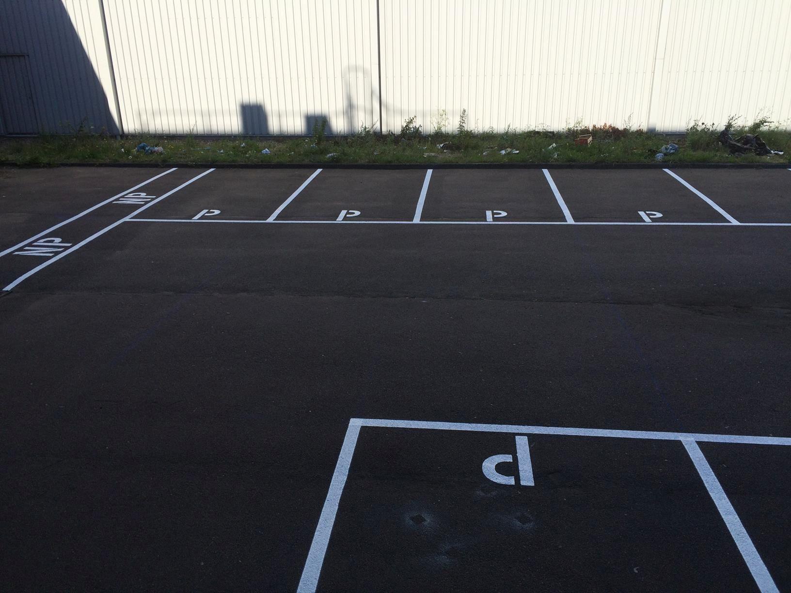 Parkeervak belijning wit