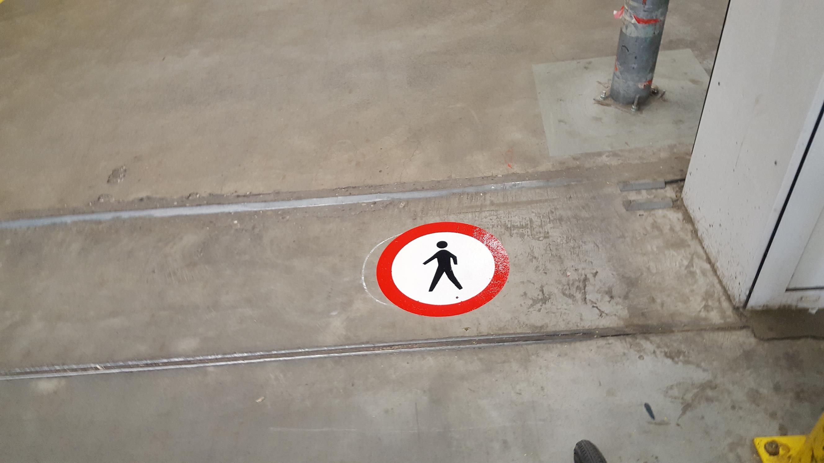 Belijning symbool verboden voor voetgangers