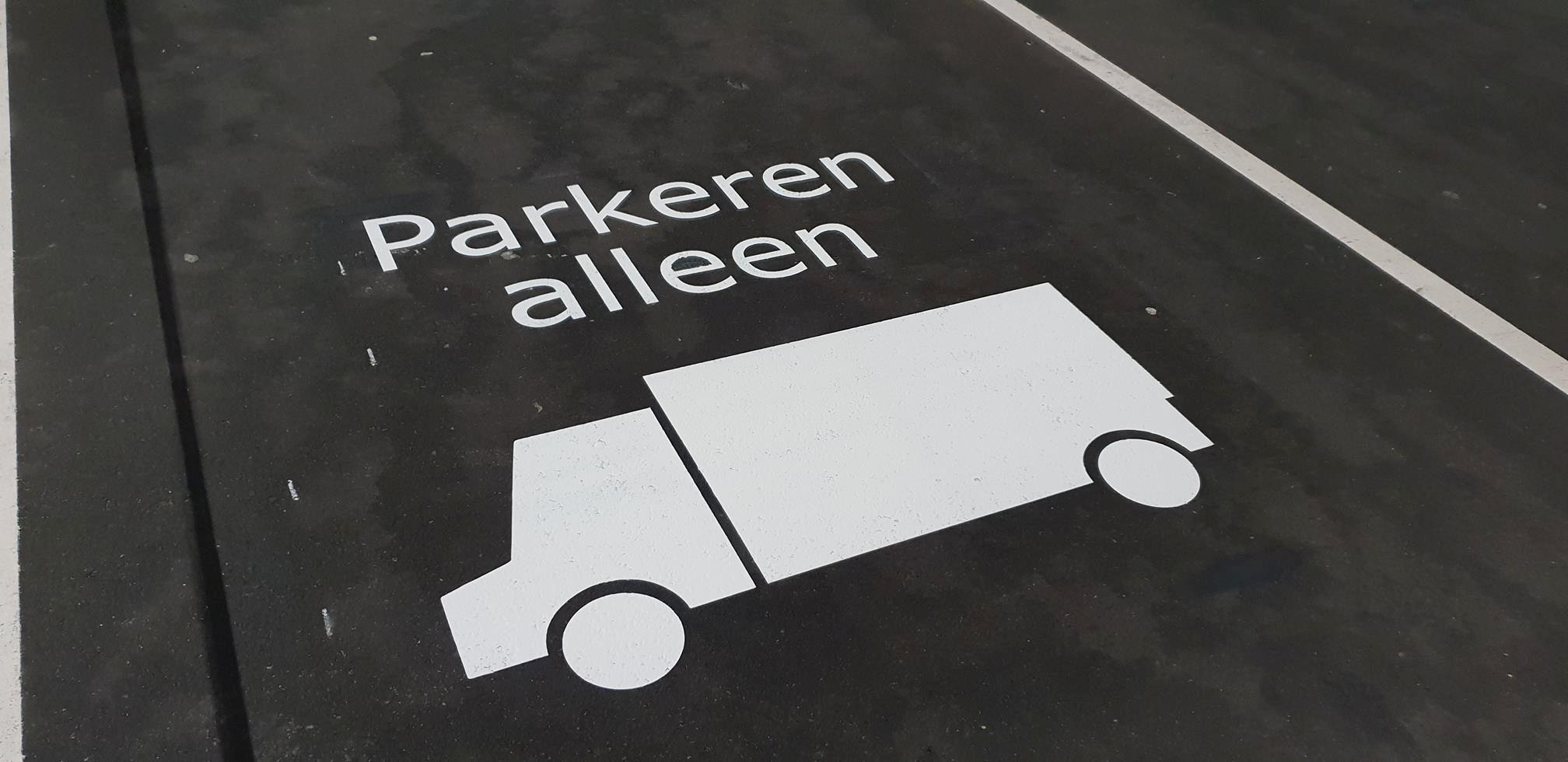 Belijning Markering vrachtwagen parkeerplaats
